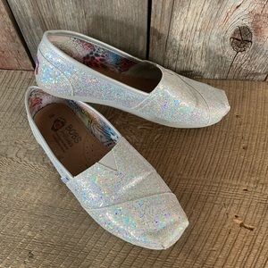 BOBS Sparkly Silver Slip-On Shoes Sz 8